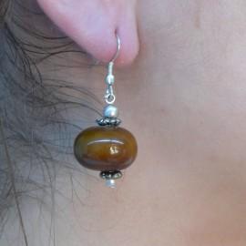 Boucles d'oreilles ethnique marron oreilles percées