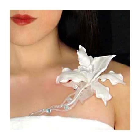 Bijou de peau Karnyx tubera fleur blanche strass cristal irisé blanc