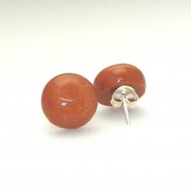 Boucles d'oreilles clous percées caramel en résine