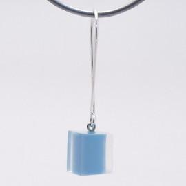 Boucles d'oreilles percées cube bleu clair créateur Zsiska