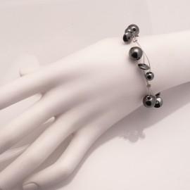 Bracelet fantaisie gris hématite sur cable