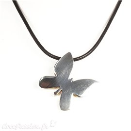 Ras de cou Ubu cuir noir médaillon papillon argent