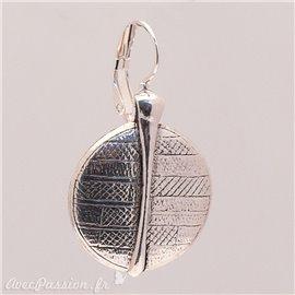 Boucles d'oreilles Ubu ciselé rond oreilles percées métal argenté