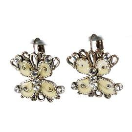 Boucles d'oreilles papillon fantaisie blanc bijou de créateur