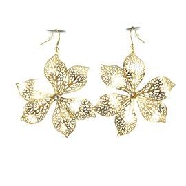 Boucles d'oreilles Cheny's oreilles percées fleurs dentelles dorées