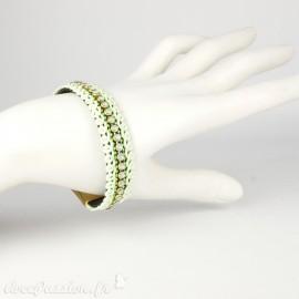 Bracelet Cheny's vert amande avec rubans torsadés et strass