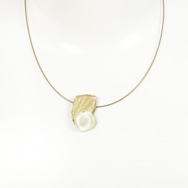 Collier fantaisie ras de cou Nathalie Borderie 1 médaillon blanc