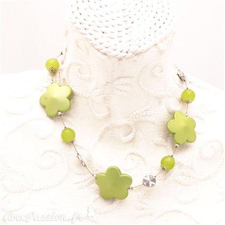 Collier fantaisie vert fleurs et cable