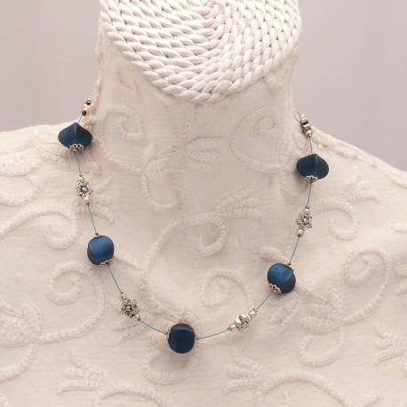 Collier fantaisie bleu nuit