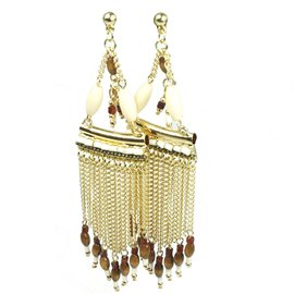 Boucles d'oreilles pendantes Hippie Chic chaine dorée et perles marron Charlotte & Alexandre chaine dorée et marron