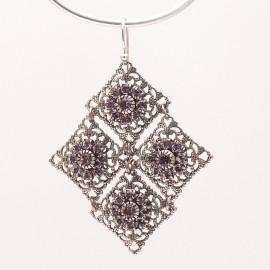 Boucles d'oreilles pendantes percées violet améthyste cristal Kenny Ma -