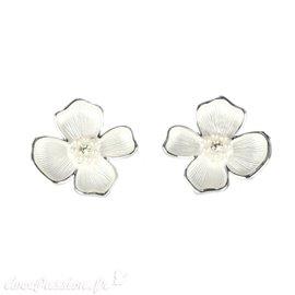 Boucles d'oreilles Cheny's oreilles percées fleurs argent