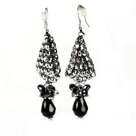 Boucles d'oreilles pendantes Cheny's oreilles percées perles argent et noir