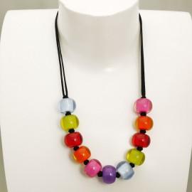 Collier fantaisie multicolore en résine Zsiska