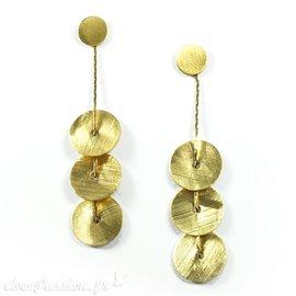 Boucles d'oreilles dorées bohème Eneida oreilles percées