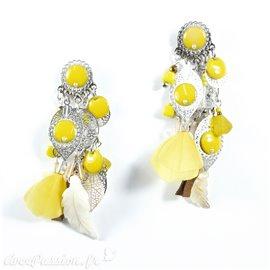Boucles d'oreilles Patchwork jaune argent plume nacre oreilles percées