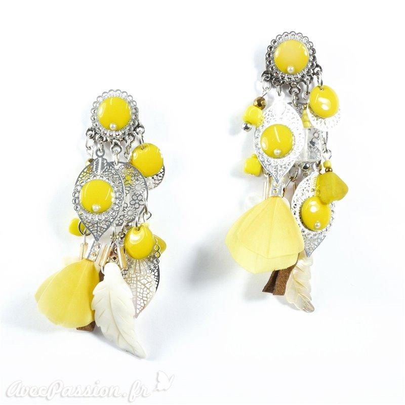 e8f3471e61b Boucles d oreilles Patchwork jaune argent plume nacre oreilles percées