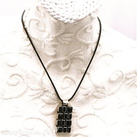 Collier fantaisie noir médaillon rectangle onyx et argent