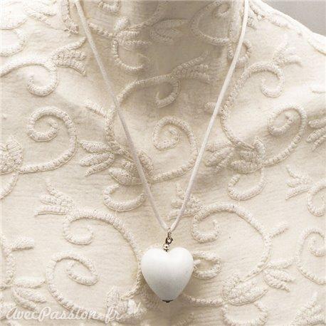collier-fantaisie-lien-blanc-50-cm-coeur-bl-bijou-createur-un-jour-ou-l-autre-ref-00190
