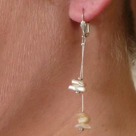 Boucles d'oreilles fantaisie couleur ivoire cable oreilles percées