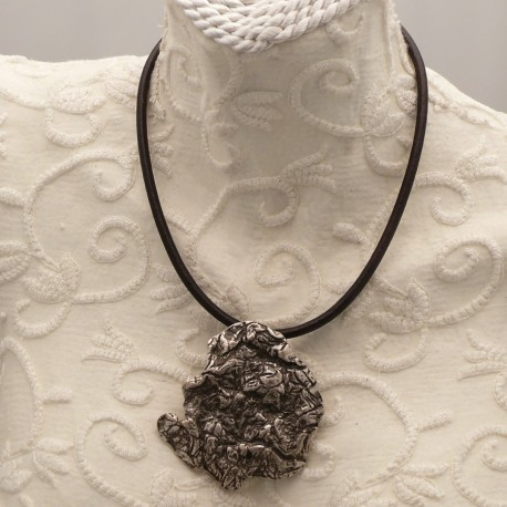 collier-fantaisie-ras-de-cou-lien-de-cuir-noir-s30-bijou-createur-ottoman-ref-00421