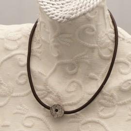 collier-fantaisie-aliacorail-ras-de-cou-lien-de-cuir-marron-s-bijou-createur-lxxv-ref-00433