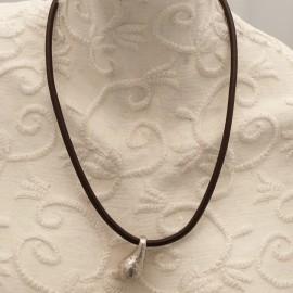 collier-fantaisie-aliacorail-ras-de-cou-lien-de-cuir-marron-s-bijou-createur-lxxv-ref-00435