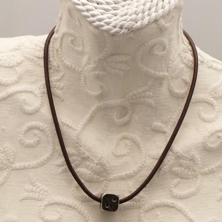 collier-fantaisie-aliacorail-ras-de-cou-lien-de-cuir-marron-s-bijou-createur-lxxv-ref-00436