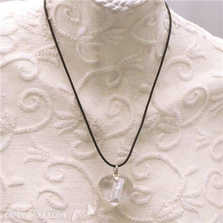 collier-fantaisie-lien-noir-50-cm-coeur-en-bijou-createur-un-jour-ou-l-autre-ref-00457