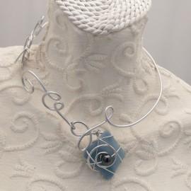 collier-fantaisie-ras-de-cou-meandres-gris-bijou-createur-en-attendant-alixe-ref-00482