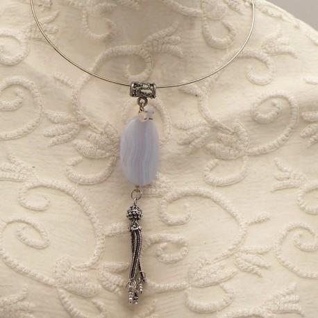 collier-fantaisie-torque-medaillon-de-calcedoine-d-bijou-createur-brandiere-ref-00552
