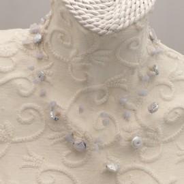 collier-fantaisie-3-rangs-sur-fil-nylon-40-cm-en-cal-bijou-createur-brandiere-ref-00559