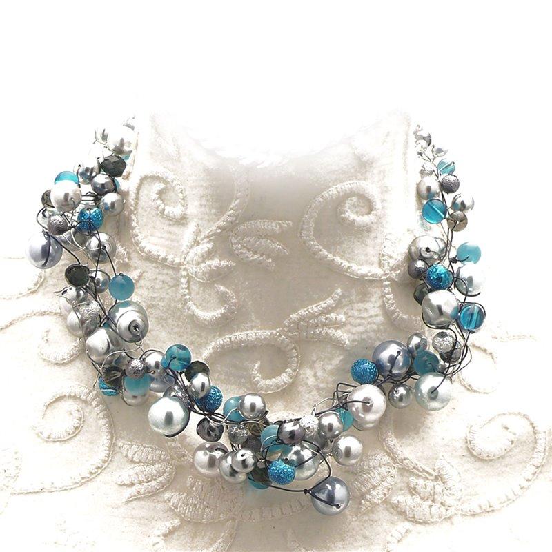 1bce9294dea66 Collier ras de cou perle de verre gris bleu bijou fantaisie de créateur.  Loading zoom