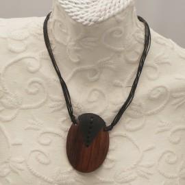 Collier fantaisie 6 liens noir 42cm médaillon en bois 6.5cm